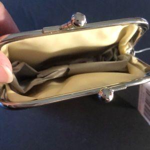 Sugar Skull Bags - 🍁3/$16 Daisy Sugar Skull Coin Purse